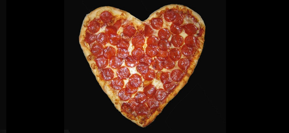 why do skinny girls pretend they love pizza?